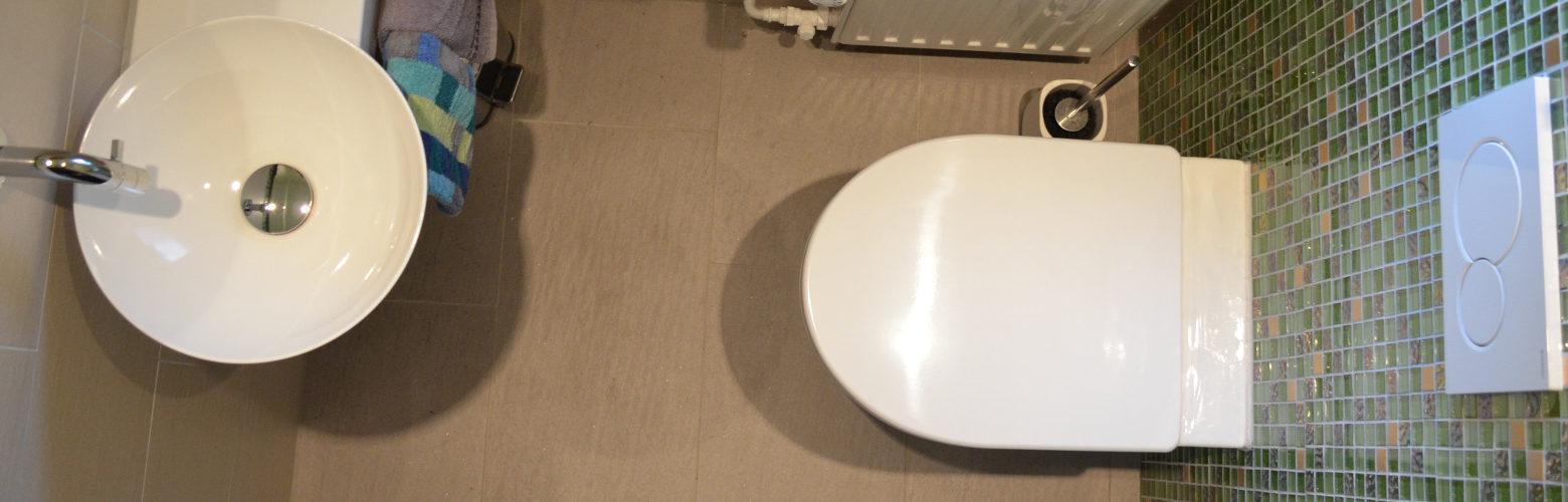 Neuer Platz auf kleinem Raum: Runderneuerung für ein Gäste-WC